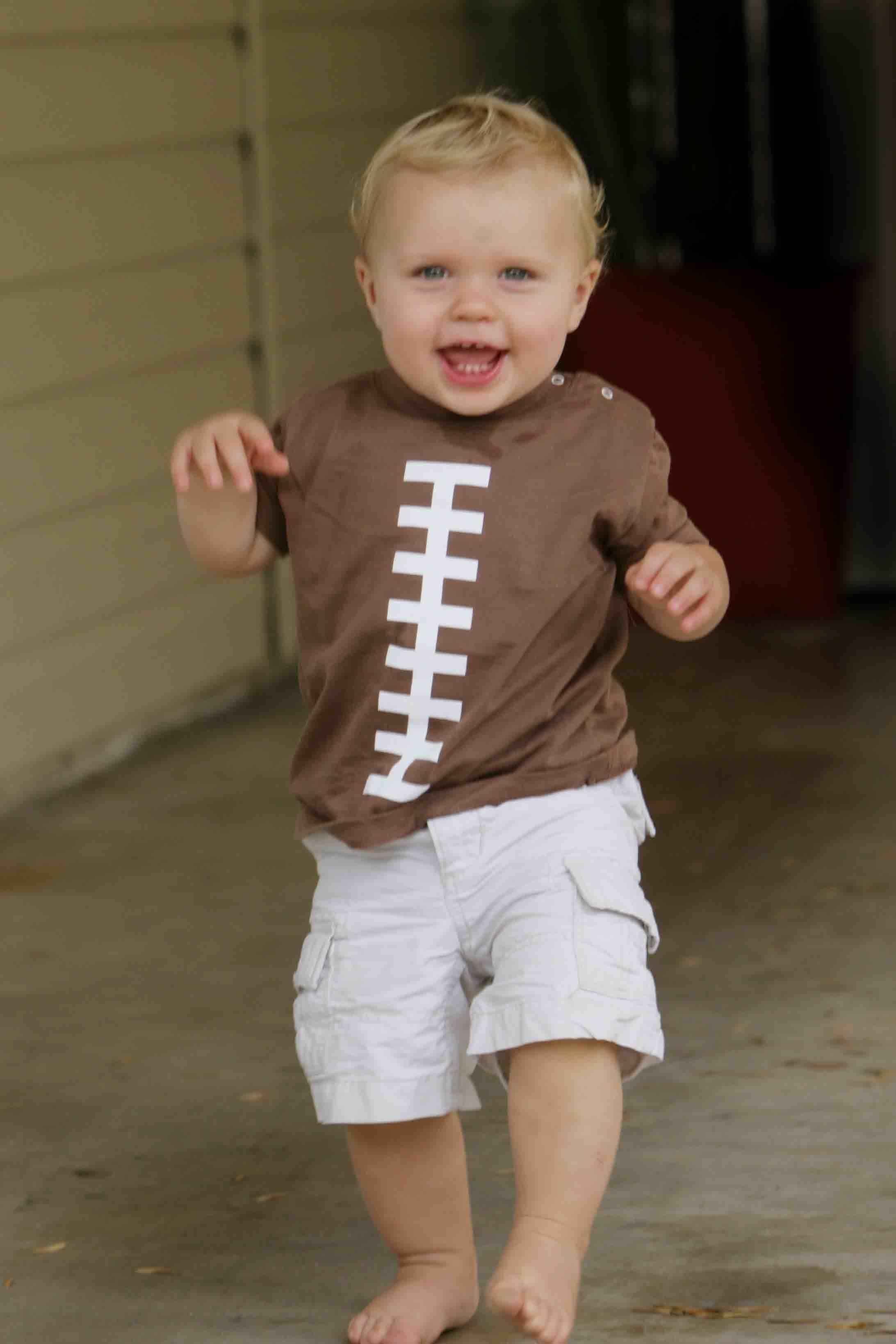 Clint heads for the endzone in his Football Bambino Ball Shirt - 30, 20, 10, Touchdown!