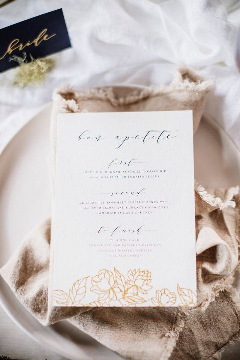 Modern Rustic Chic Wedding Inspiration (with a killer cake   Rustic ...
