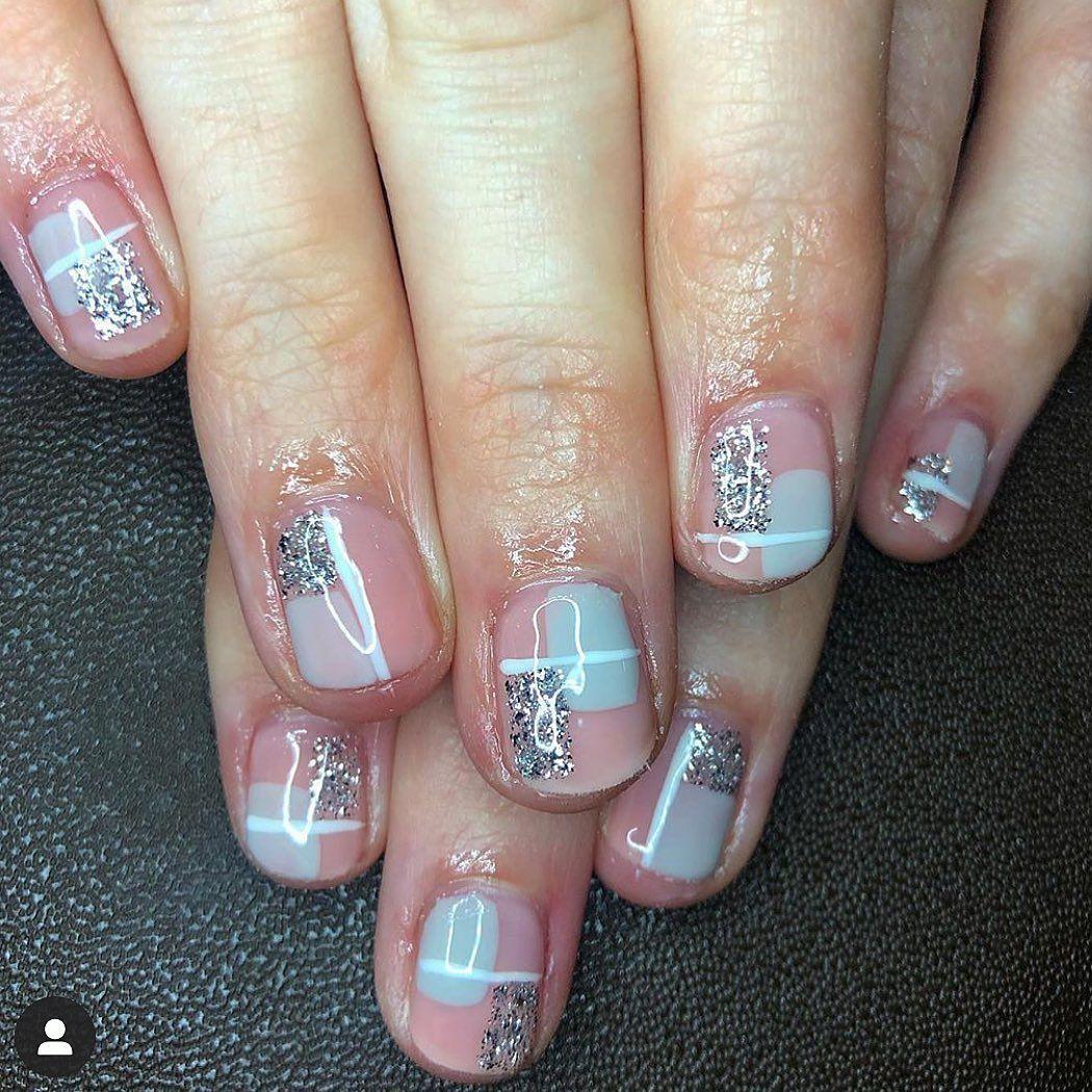 Shellac 💅🏼 #cnd #cndworld #cndshellac #shellac #nailart #acrylics #acrylicnails #holographic #holographicnails #magpiebeauty #magpieglitter #glitter #oliveyourmani #lovelecente #showscratch #scratchmagazine #nailtech #lovenails #glitternails #neon #nailaddict #nailitdaily #shellacliverpool #lovenails #nailsoftheday #nailsofinstragram #nails #nailsmagazine  @lovelecente @the_gelbottle_inc @salonsdirect @cndworld