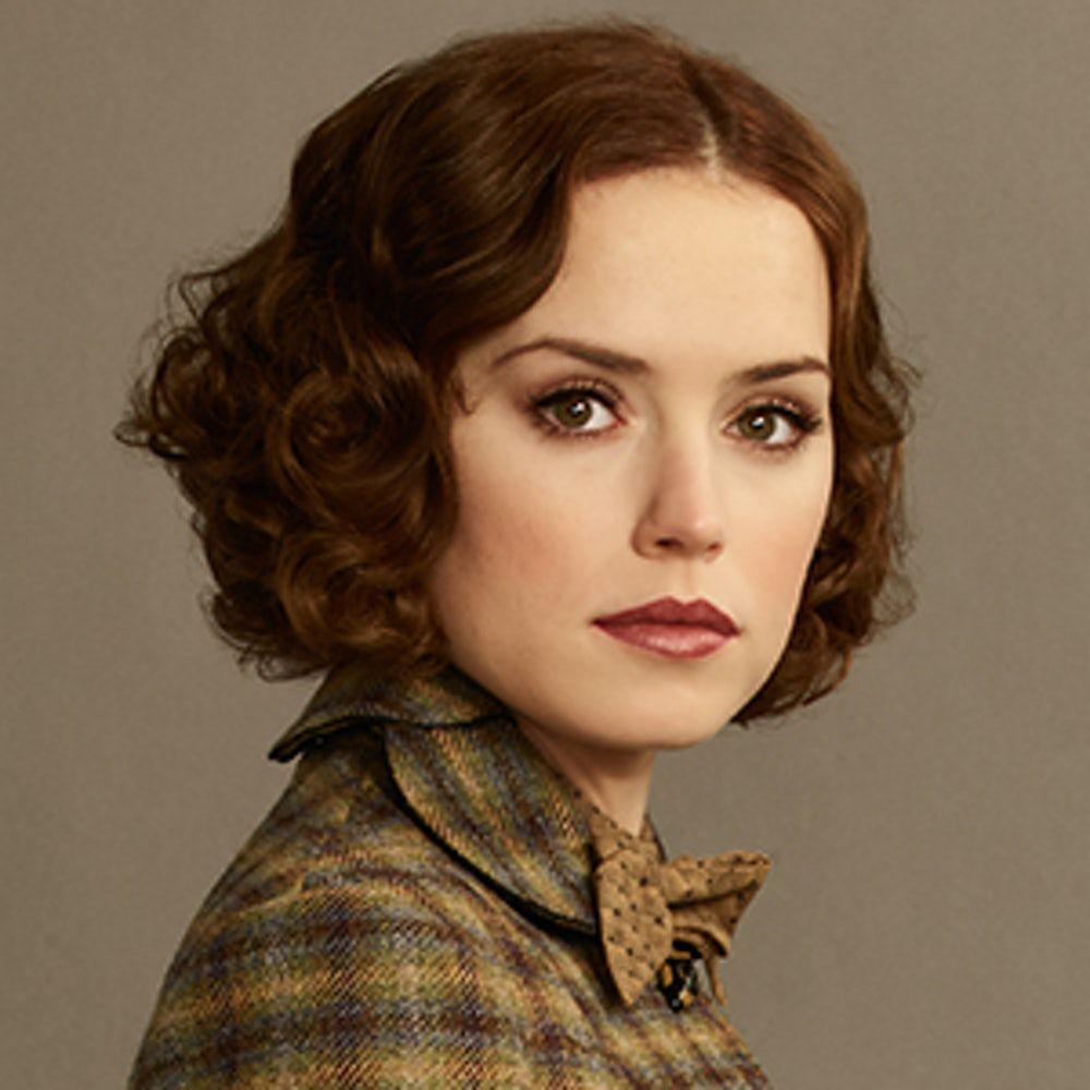 Meet The Passengers Daisy Ridley Orient Express Short Hair Styles