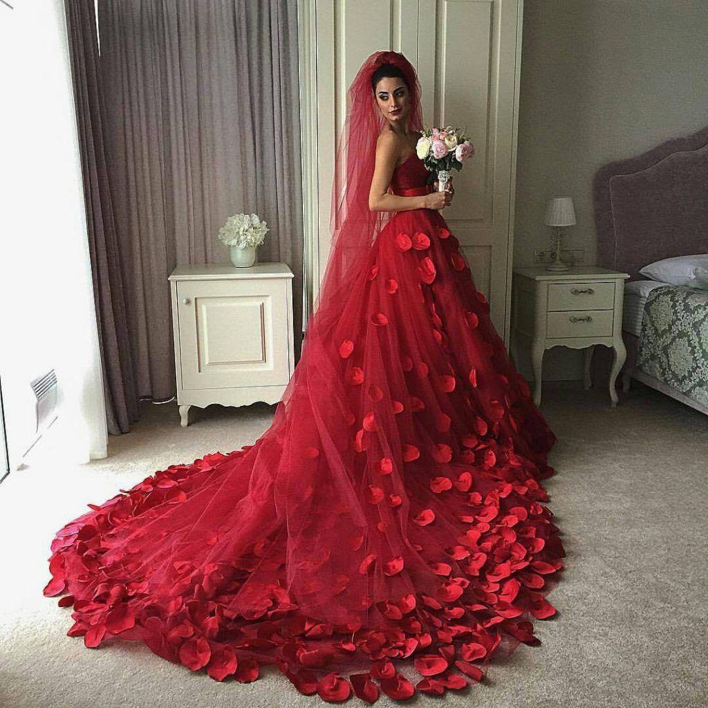 Rote Brautkleider: 10+ charmante Styles für schwerelos  A-line