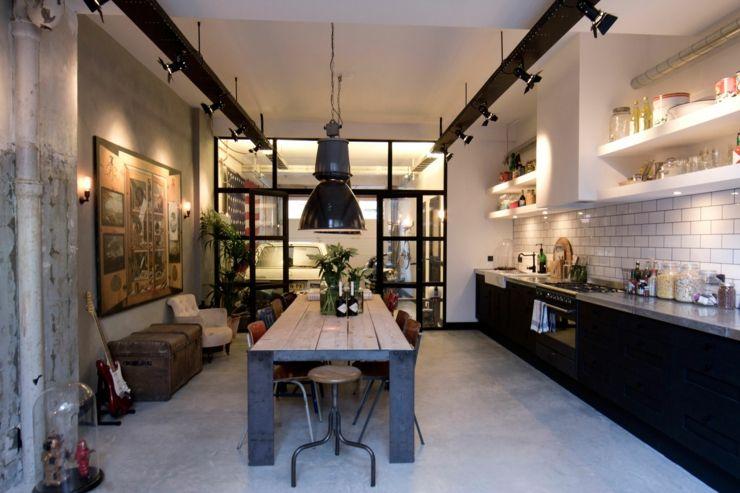 Loft Aux Touches Très Masculines à Amsterdam Cuisine Loft - Salle a manger style loft pour idees de deco de cuisine