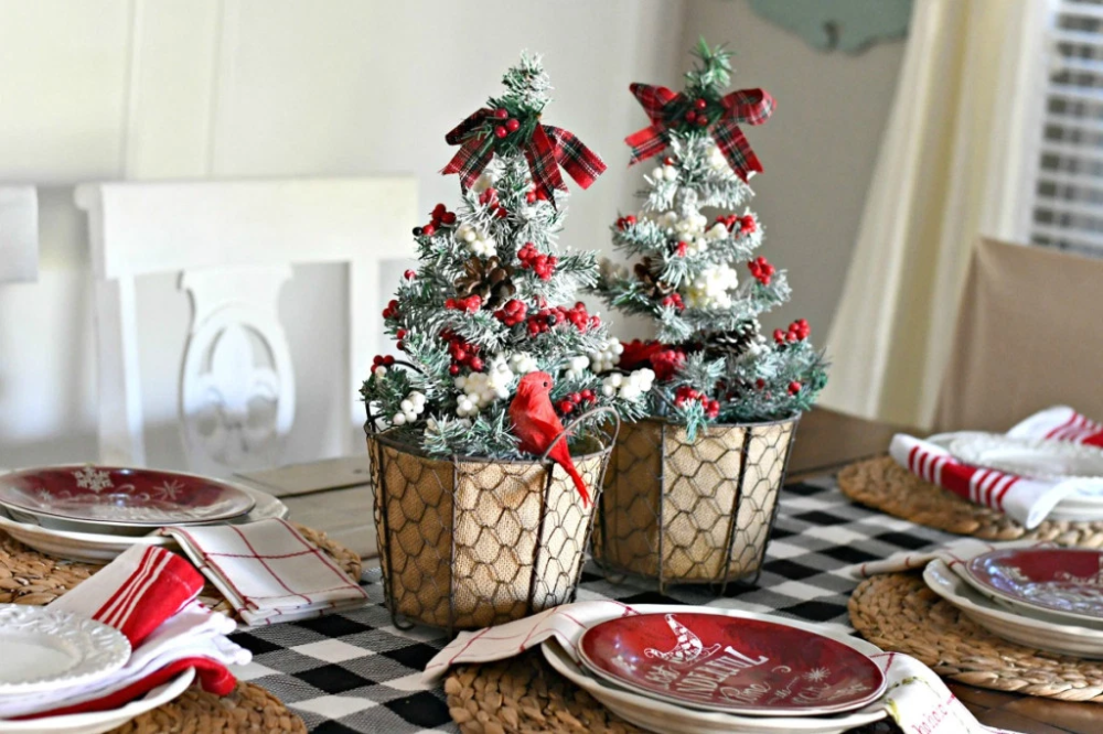 3 Simple & Fun DIY Dollar Tree Christmas Centerpieces