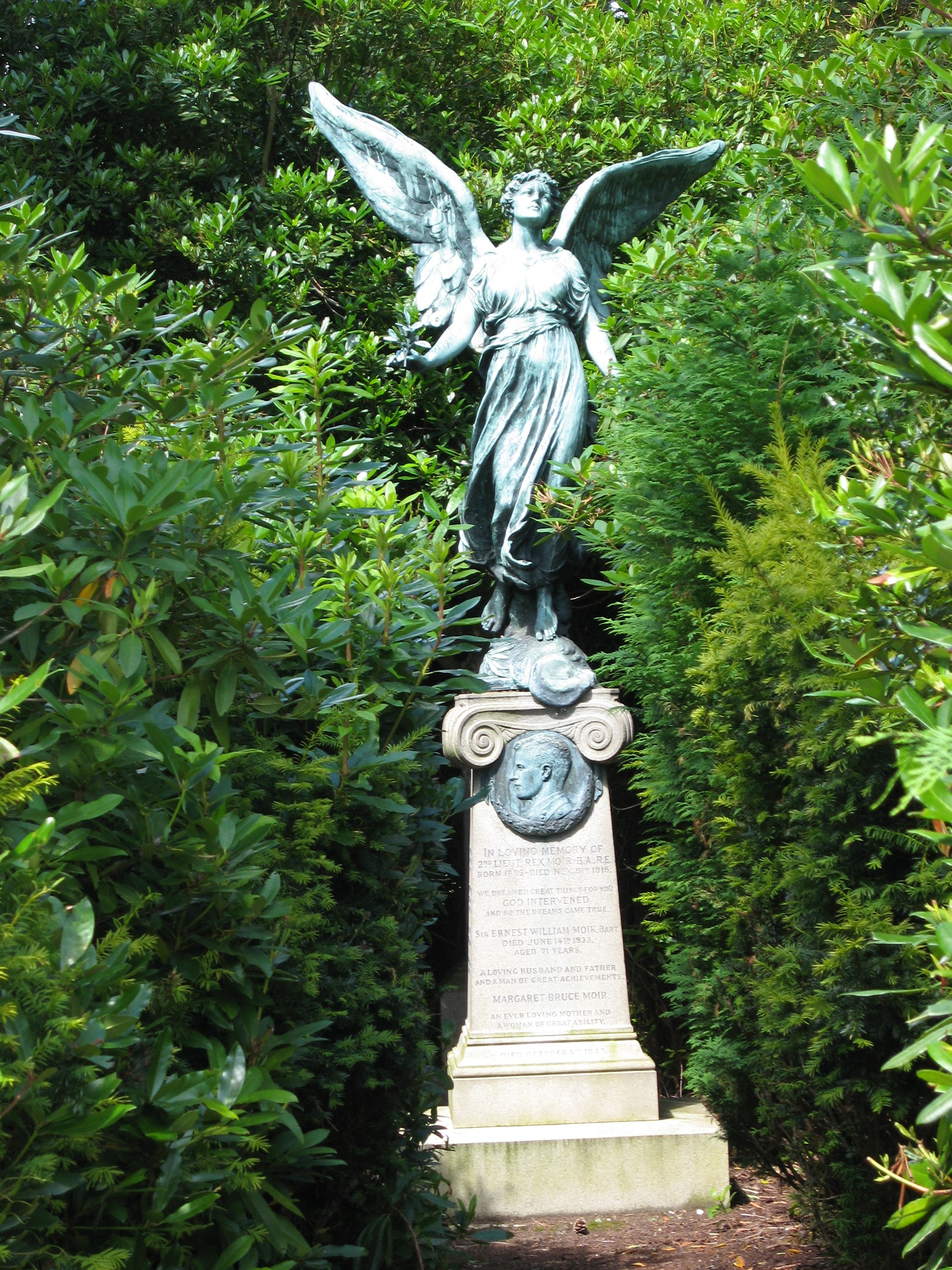 Great grave Brockwood cemetery - City of the dead - Surrey