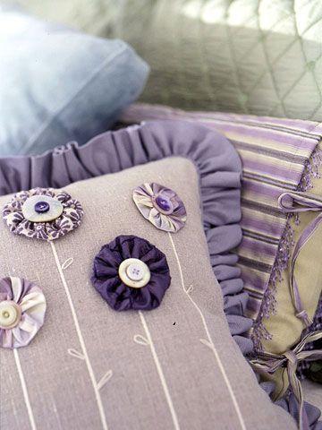 Cloth Yo-Yos | DIY...fabric yoyos