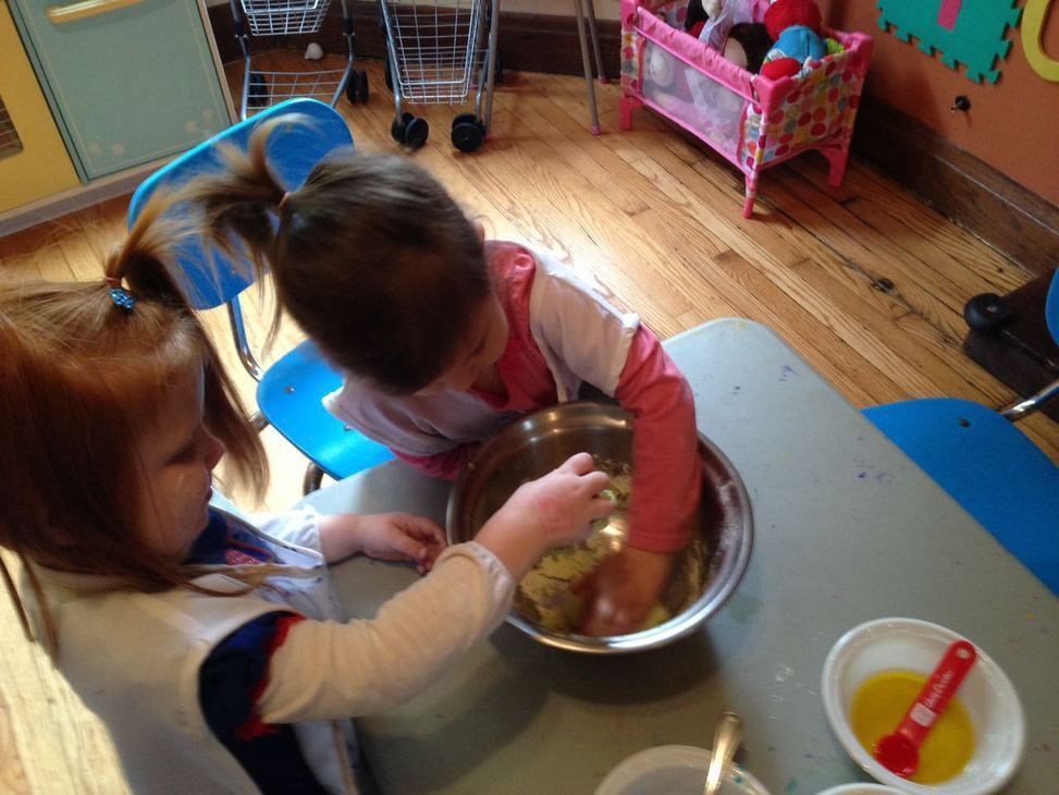 Mixing and making some good donuts ! #micasita #homedaycare #chicago #toddler #kids #creative #daycare #family #art #inspiration