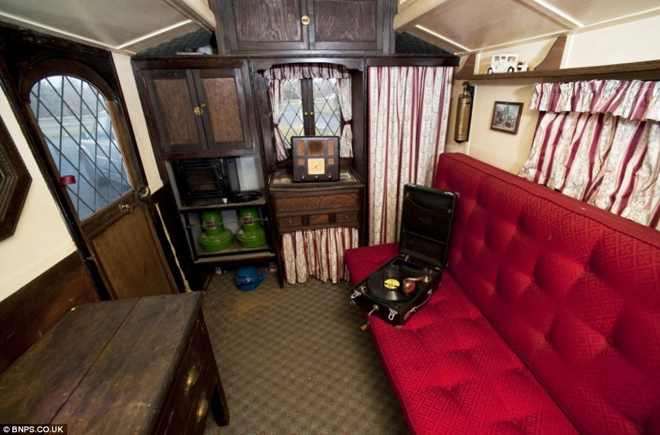 A Drawing Room On Wheels The 1920s Caravan The Wealthy