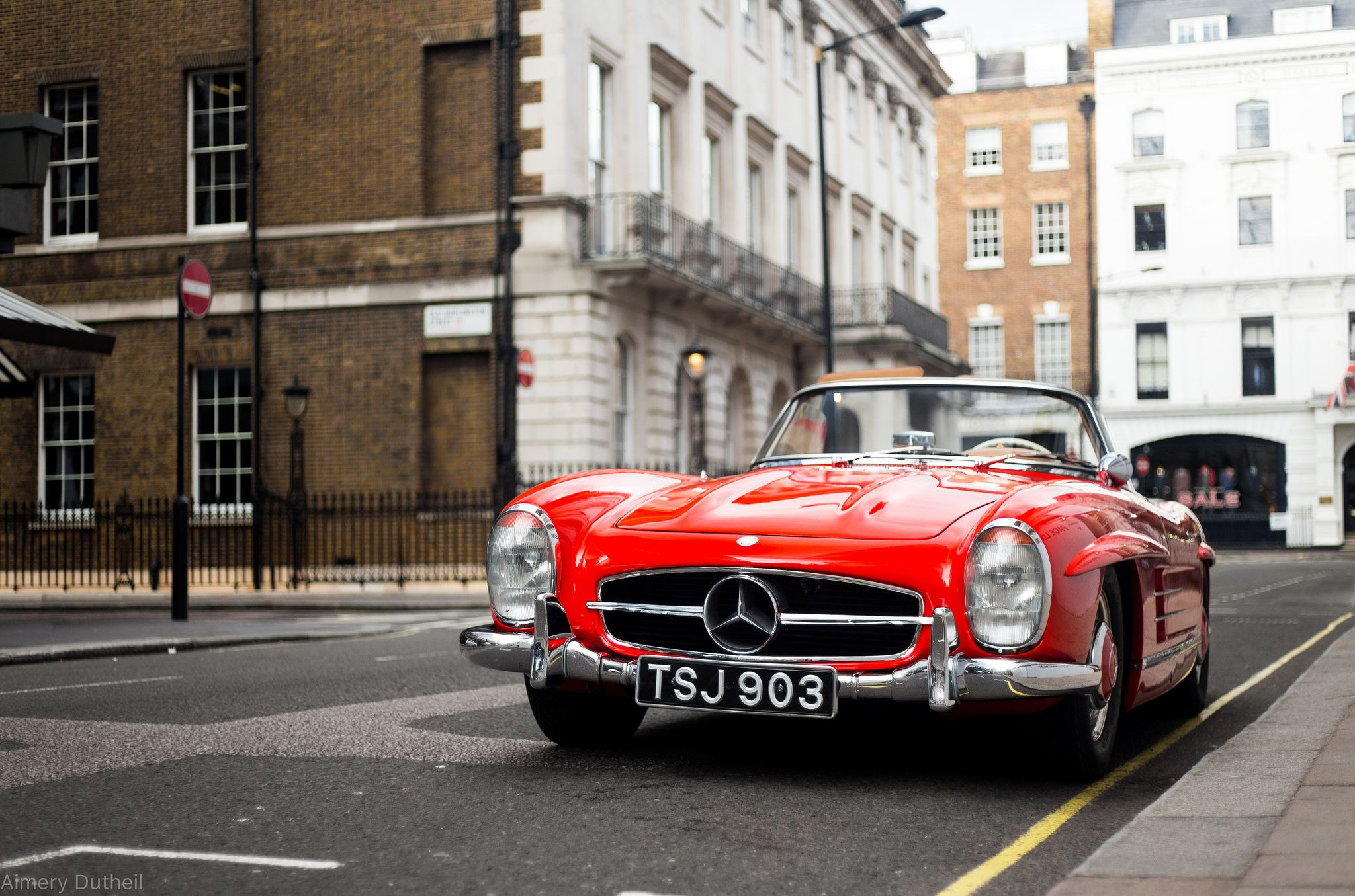 Red 300sl Roadster In Mayfair Roadsters Mercedes Benz Classic Mercedes Benz