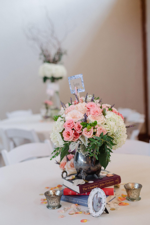 Centerpiece. Wedding reception. Pink spray rose. Ivory rose. White  hydrangea. Dusty