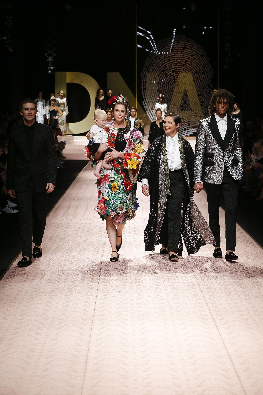 582ae8abae03 Dolce Gabbana Spring Summer 2019 Women s Fashion Show.