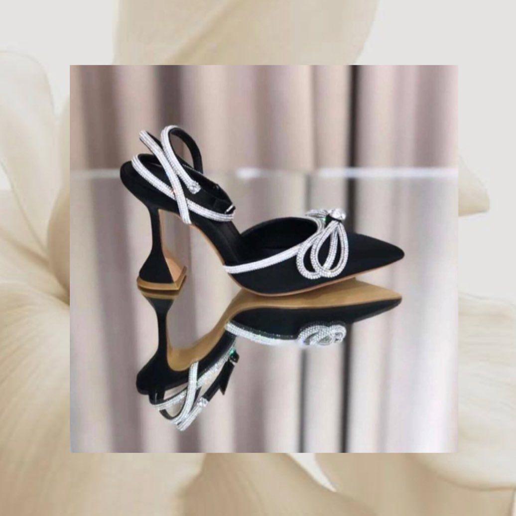 كعب Emma Hyacinth لندن كل المقاسات و الألوان متوفره موضة Emma Hyacinth كويتيات أناقة Kuwait Classy كشخة كويتيات Style Lalgebeaumont Styl In 2020 Pins