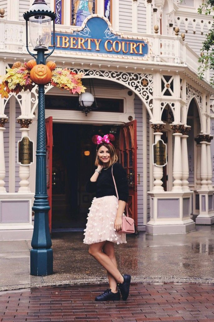 http://www.eatweartravel.com/wear/minnie-me-in-disnelyand/