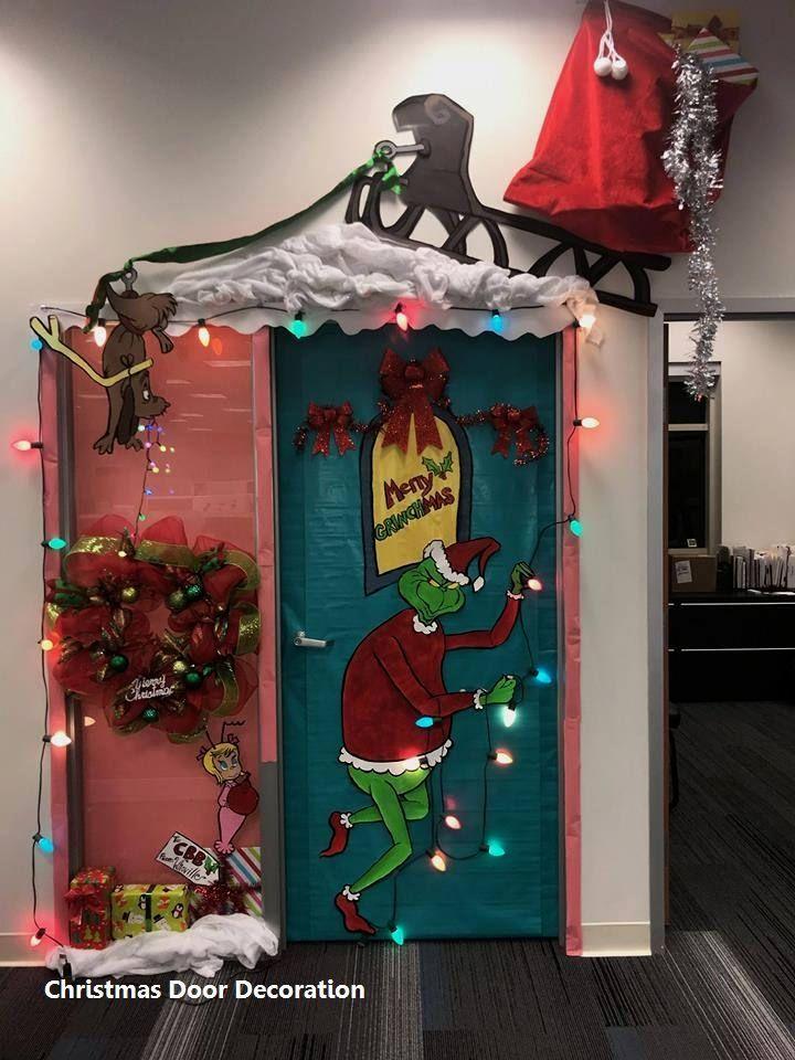 15 Most Creative Christmas Door Themes 1 Green Amp Maroon