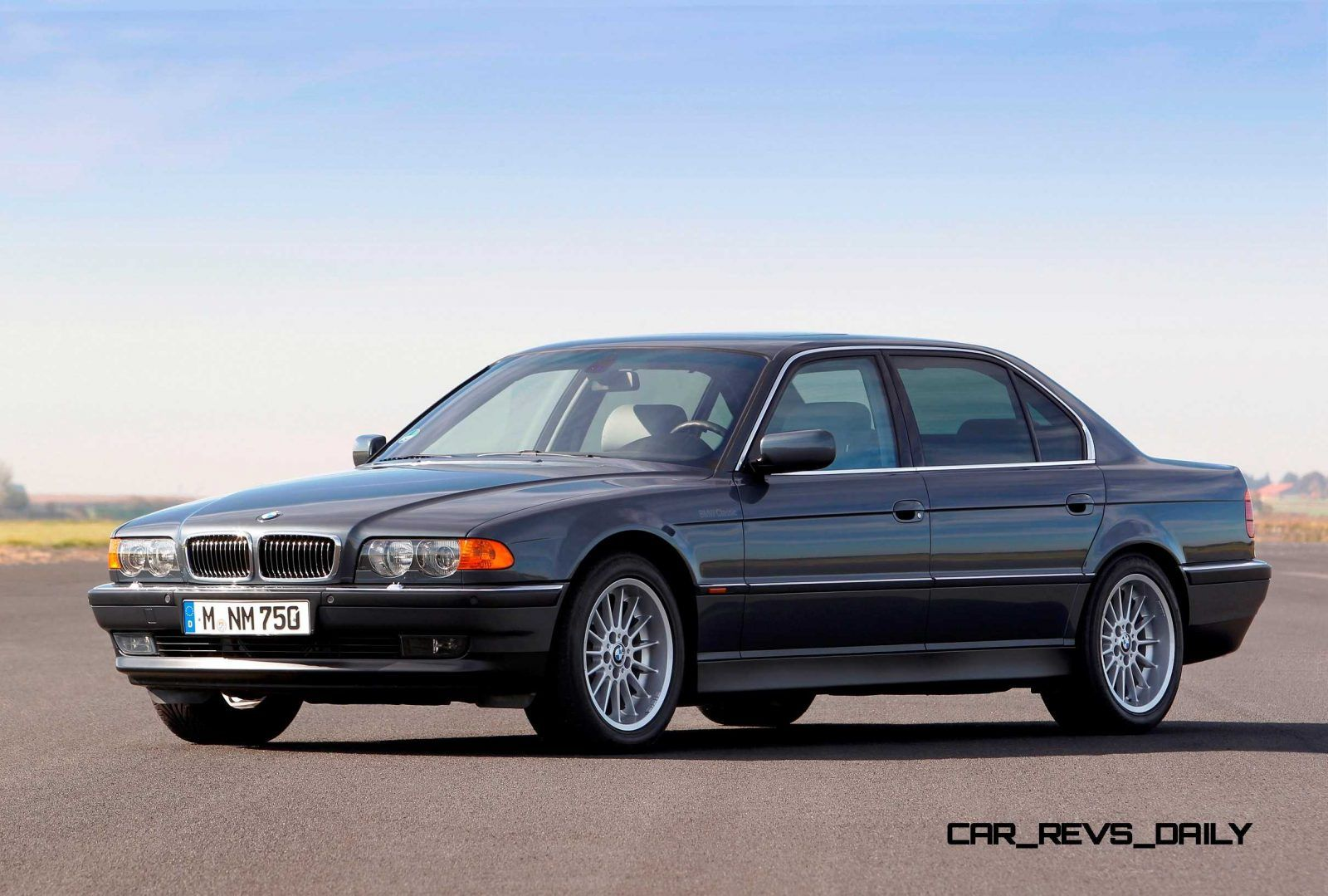 BMW V12 Turns 25! Celebrating the Evolution of the V12 BMW 7