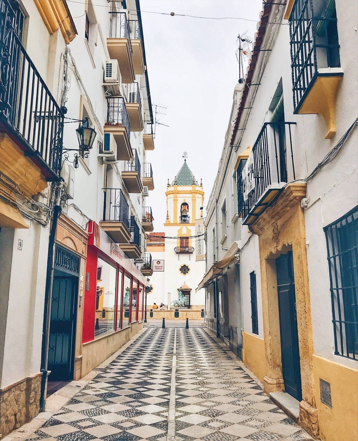 Ronda, Spain: Explore Andalucía's Largest White City In One Day | While I'm Young