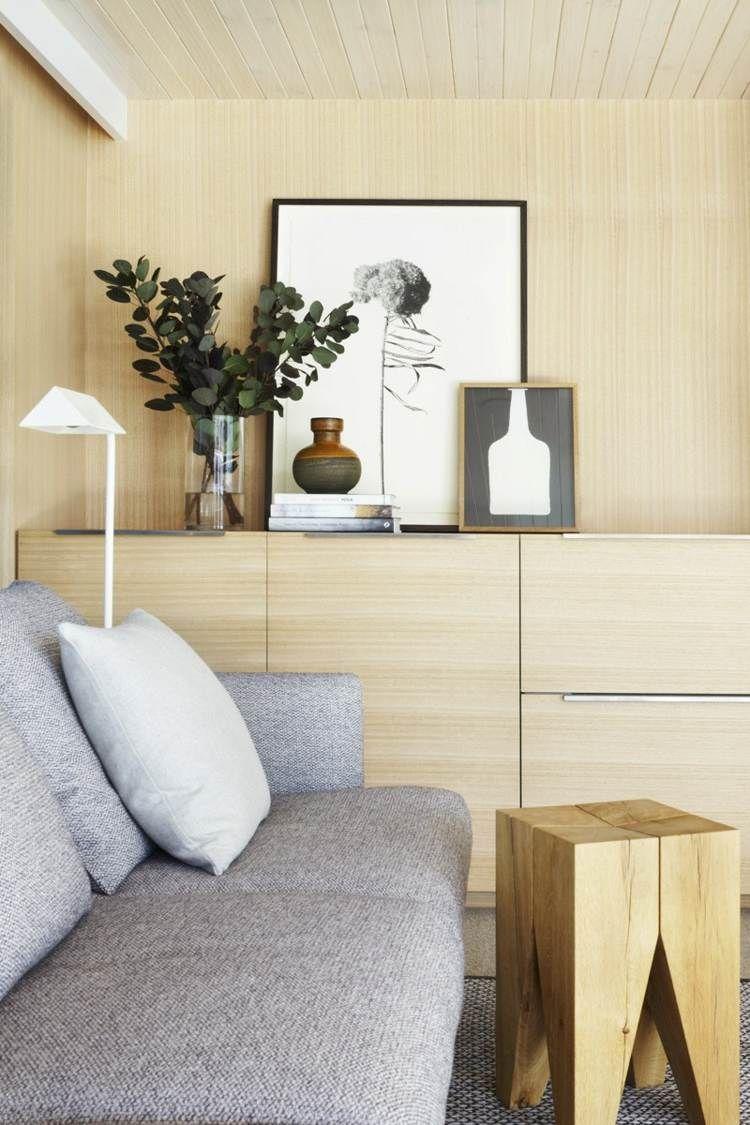 Die Hausboot Inneneinrichtung Im Wohnzimmer Mit Schrank Und Wandverkleidung Aus Holz