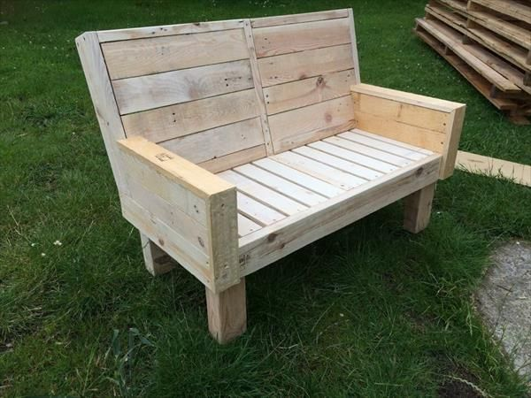 Keep Yourself Close to Nature by DIY Pallet Bench for Garden or Park | DIY Furniture Ideas