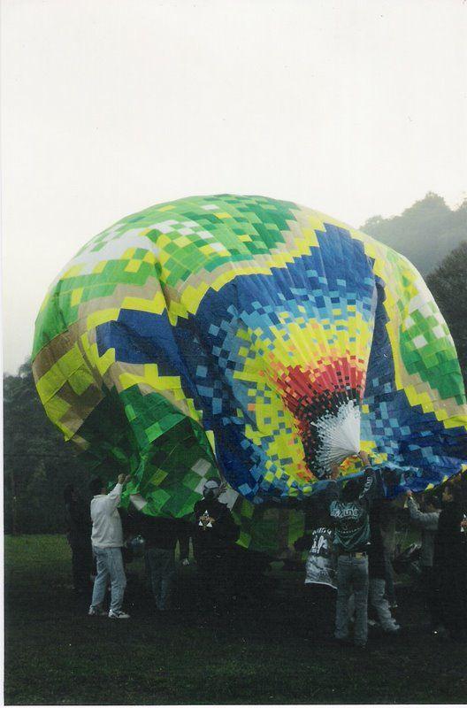 7 x 0,5 x 7 (tamanho 14,5 metros) Com fogos -Diurno - Confeccionado e solto pela Turma ACME - São Paulo - Brasil