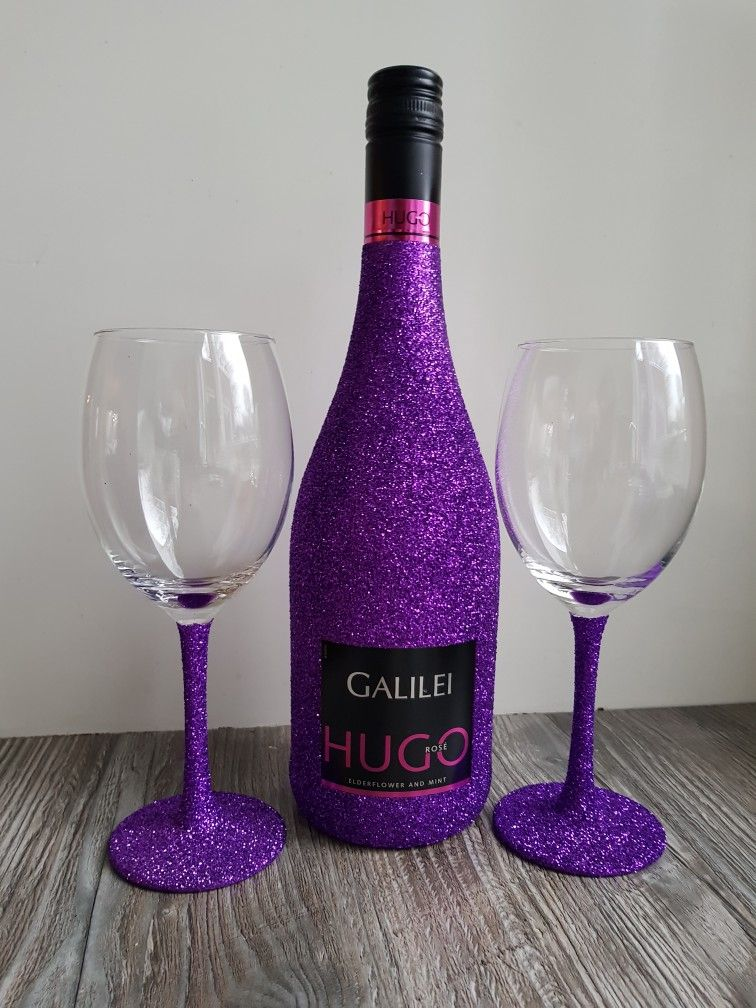 Hugo wine glitter bottle glasses purple wijn