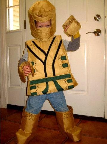 Verrassend Lego gouden ninja LLoyd geïnspireerd kostuum. door TheCharacterBin HE-87