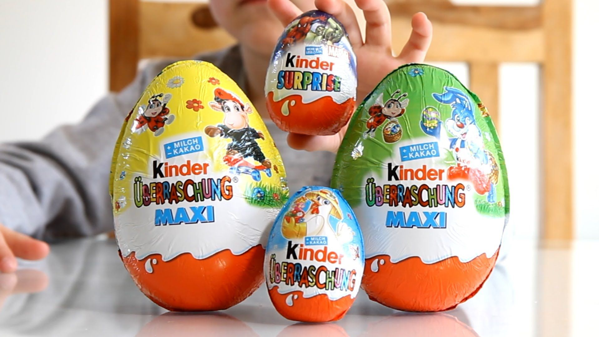 Kinder surprise easter edition big eggs and small marvel super.