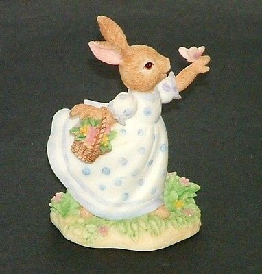 Royal Doulton Bunnykins Resin DBR10 Susan Wildlife Spotting 1996 Figurine