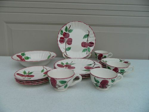 Blue Ridge Bay Apples Dinner Plate