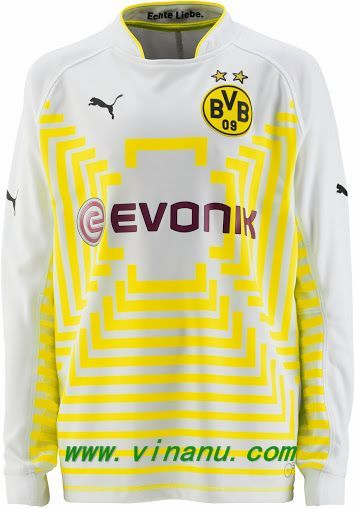purchase cheap ea929 6d657 Based on the Puma Statement 14-15 Goalkeeper jersey, the new ...