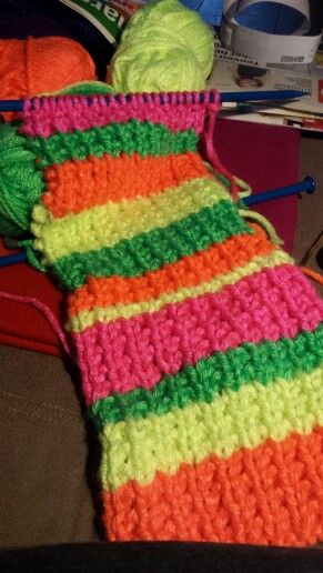 Sjaal Met Fluor Kleurenbollen Bij De Action Naalden 10 23 Steken
