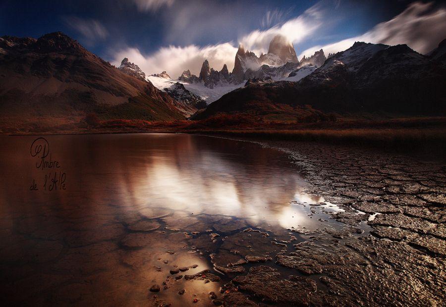Windy reflection by Ambre De l'AlPe, via 500px