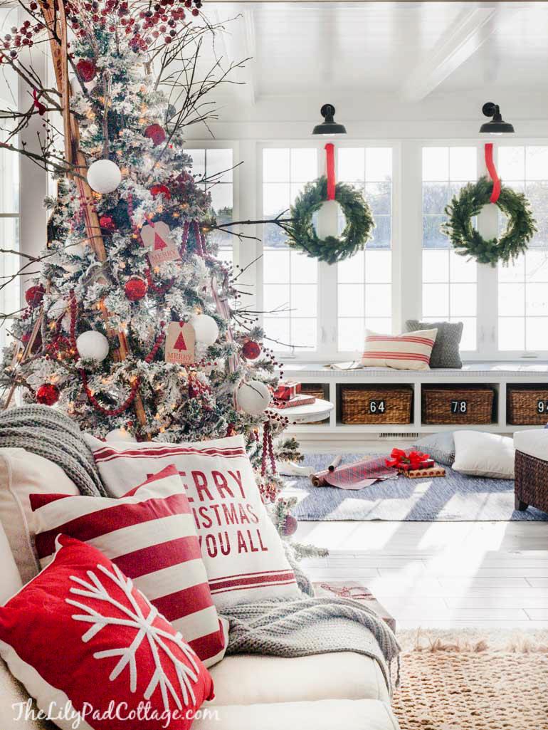 Christmas window decor  cozy ski lodge inspired christmas tour  black barn barn and window