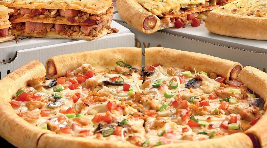Motor City Is About To Get A Treat And Its Share Of Piping Hot And Instagram Worthy Cheese Pulls As The Pizza Giant Debonairs Pi Perfect Pizza South African Recipes Gourmet