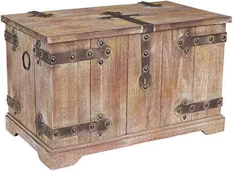 Amazon Com Large Treasure Chest For Storage Household Essentials Storage Trunks Storage Trunk