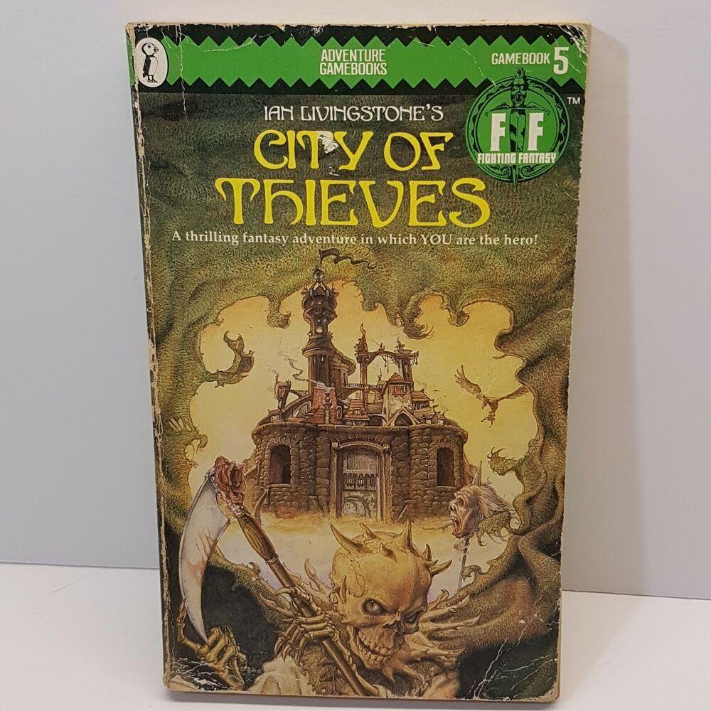 City Of Thieves Fighting Fantasy 5 Game Book Ian Livingstone Green Banner In 2020 Fantasy Adventure Fantasy Fantasy Novel