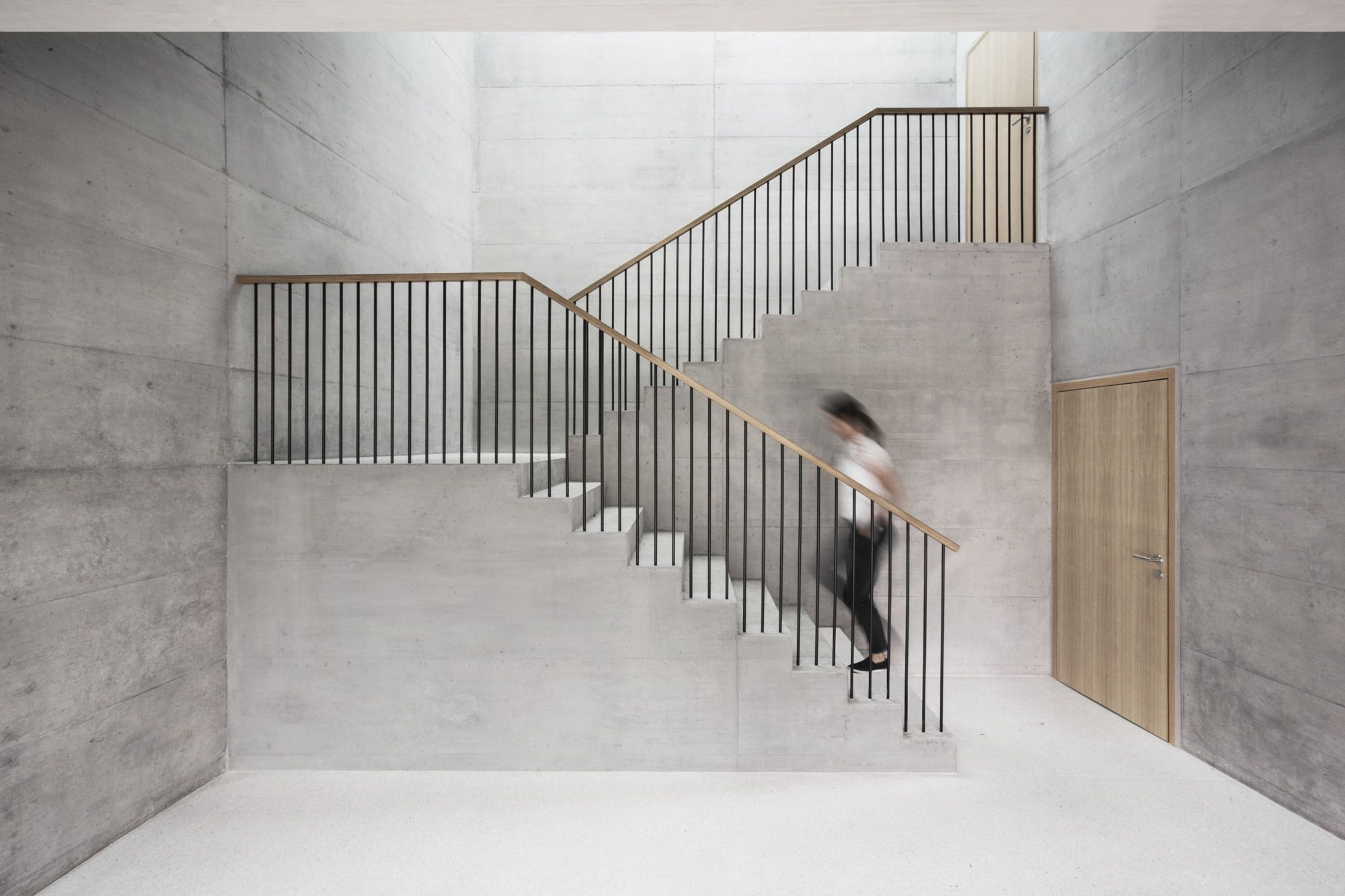 Plissierter Beton - Bürobau bei Lausanne   Lausanne, Architecture ...
