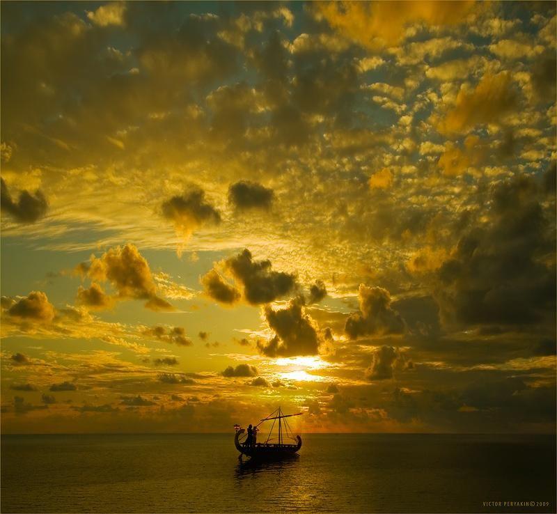 beautiful!                                   llbwwb:    Big Golden Sky by Victor Peryakin
