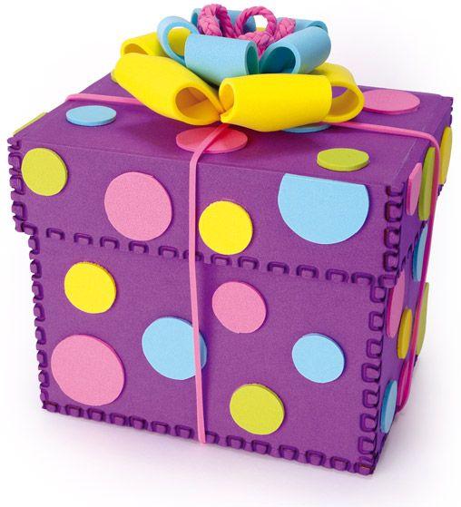 Caja para regalo hecha totalmente de fomi goma eva - Manualidades para regalar en reyes ...