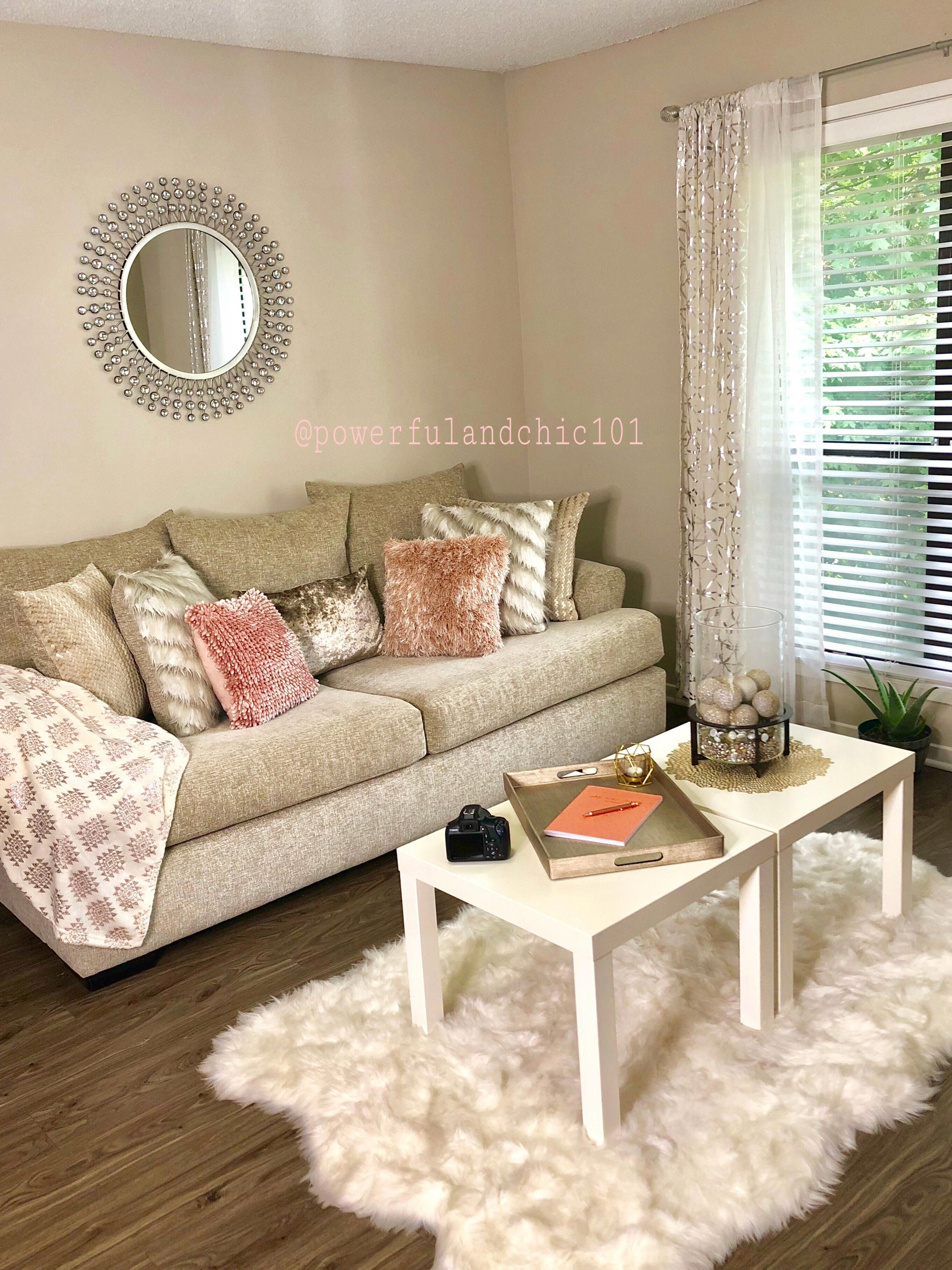 Blush Pink Gold White And Cream Living Room Decor Decor Decorideas Apartments Diyhomedecor Gold Living Room Decor Gold Living Room Pink Living Room Decor