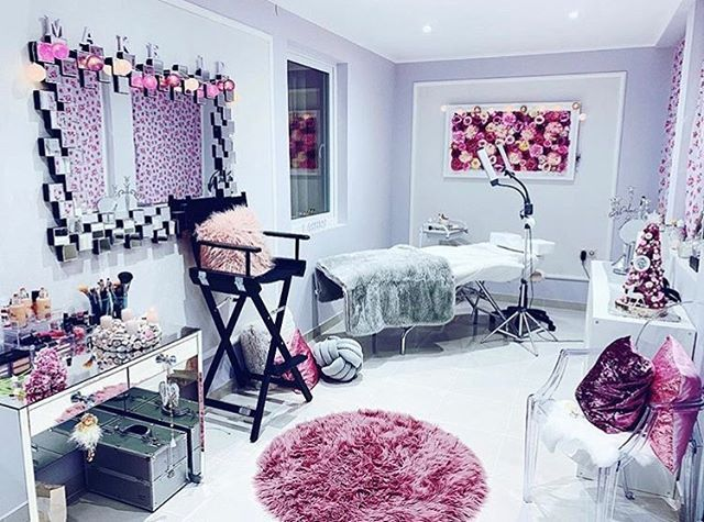 "Lash Room Decor on Instagram: ""How many cute items can you spot in this lash studio?!"