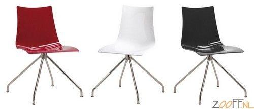 Scab Design Zebra Twist AS stoel - De Scab Design Zebra Twist AS is een Italiaanse designstoel gemaakt van polycarbonaat. De draaibare stoel is voorzien van een verchroomd 4-poots frame en past door zijn egale kleuren in elk interieur thuis. De Zebra Twist AS is verkrijgbaar bij Zooff in drie verschillende kleuren.
