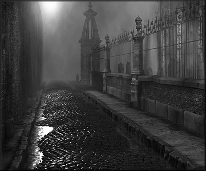 URBAN GOTHIC: Haunted Cities  – Spectral Traces