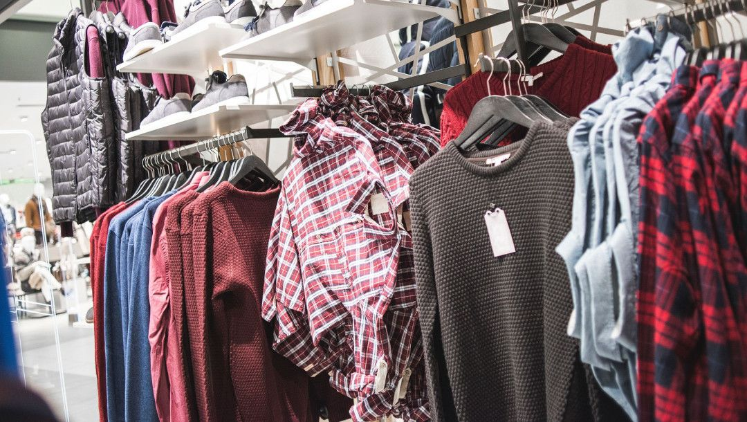 5 ways youre storing clothes wrong shopping outfit