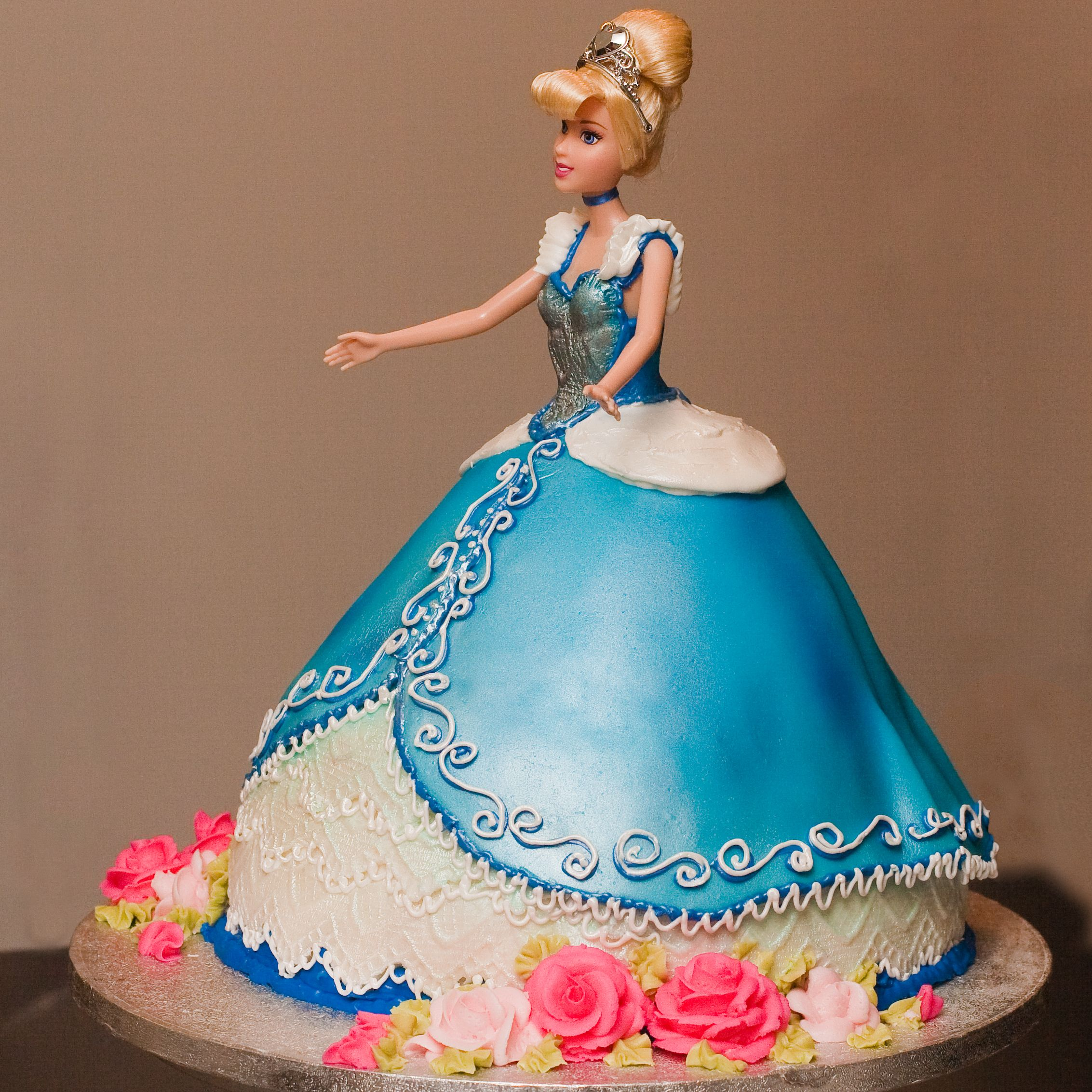 cinderella coach cakes Cinderella Cakes Decoration Ideas cakes