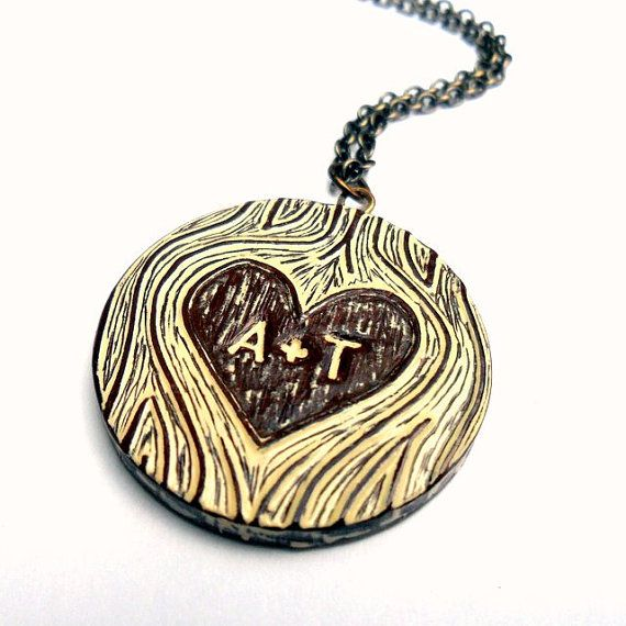 Faux bois necklace. Rhooo j'adore !