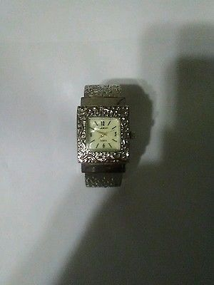 Narmi watch