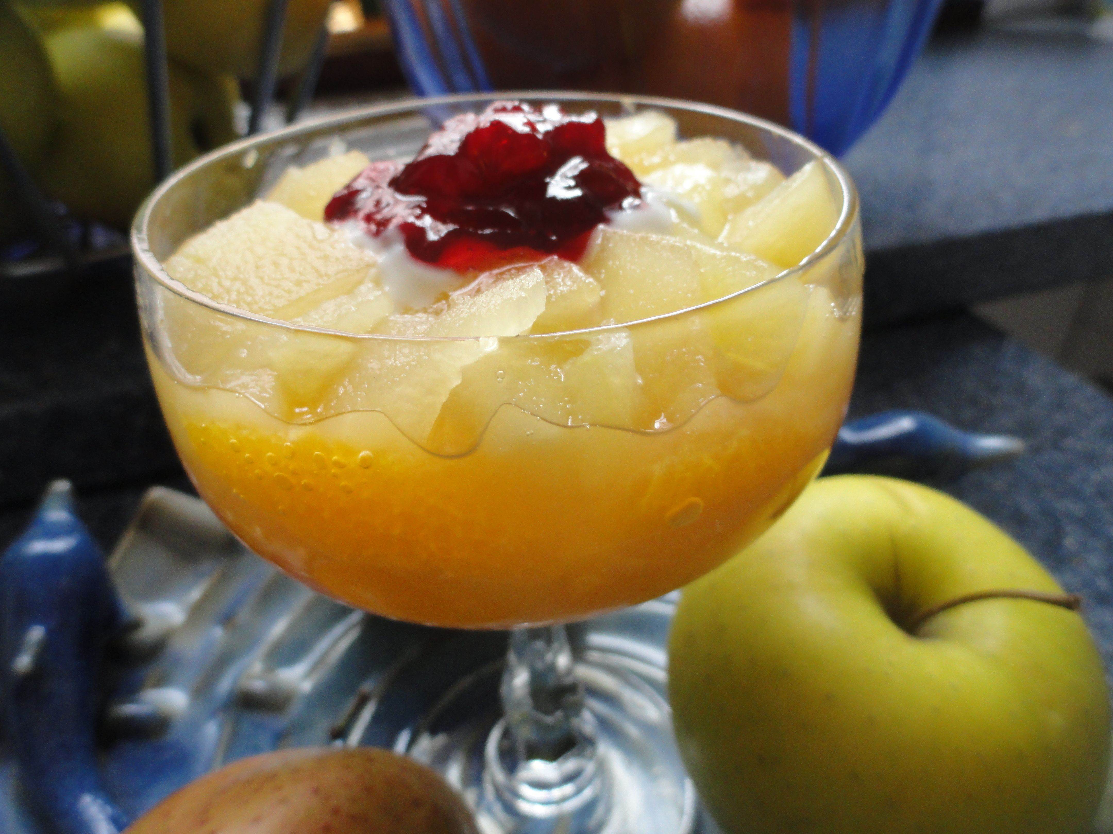 durazno,yogurt natural,manzana y mermelada de guinda