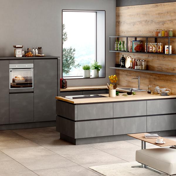 Schlichte U-Küche mit grifflosen Fronten in Stahl Dunkel Nachbildung 5900500-4