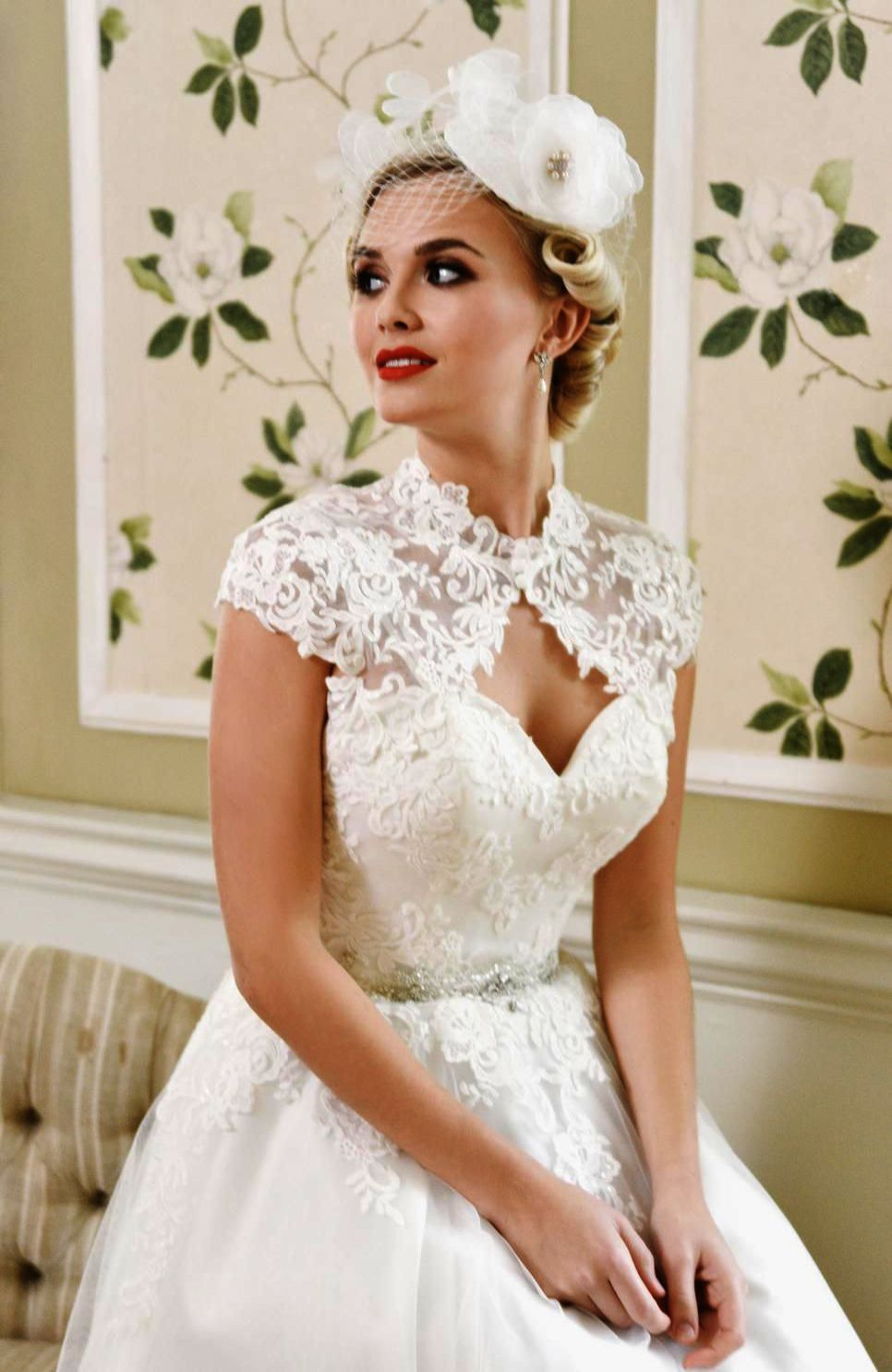 London Dress Up Games Fashion Show When Dress Up Games For Adults Who Love Fashion 1950s Style Wedding Dresses Pinup Wedding Dress 50s Style Wedding Dress [ 1485 x 966 Pixel ]
