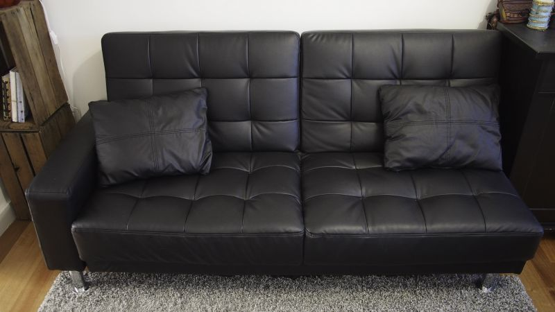 This Amazing Second Hand Couch Is Free