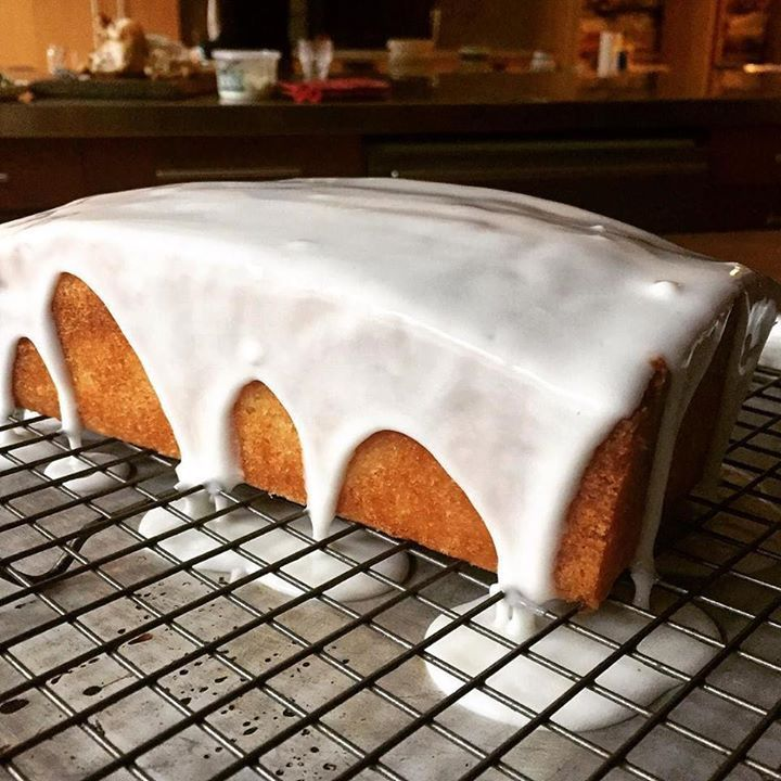 #PIN_IT @benbmims is battling a dreary grey day with this lemon sponge cake. Its working. http://www.itubeudecide.com/ #FOLLOW